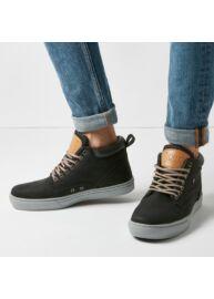 Bk B40 3655 02 Fekete szürke színű férfi utcai cipő