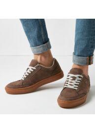 Bk B40 3673 01 Barna színű férfi utcai cipő