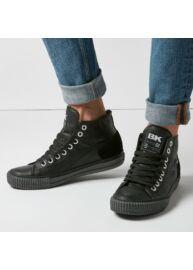 Bk B40 3795 01 Fekete színű férfi utcai cipő