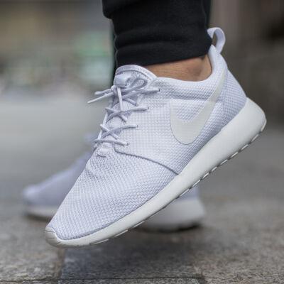 Nike cipők fehér női és férfi. Értékelések és fotók